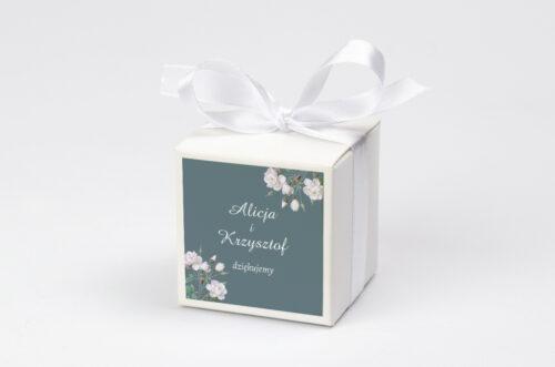 Pudełeczko z personalizacją na krówki do zaproszenia - Duże Inicjały - Białe Róże