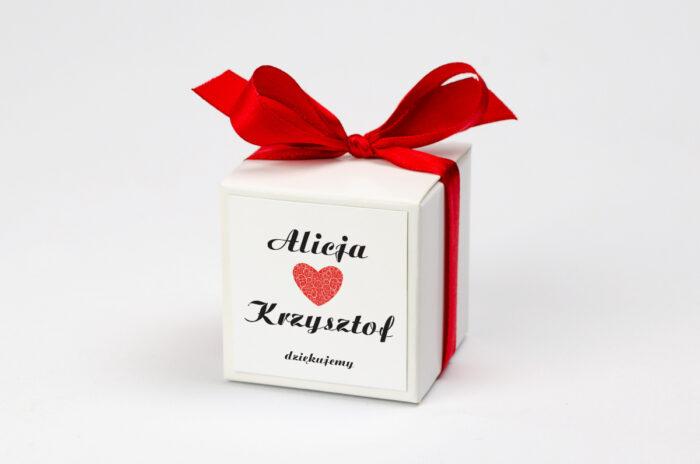 Ozdobne pudełeczko na krówki z personalizacją do zaproszenia Vintage - Black & White Czerwone