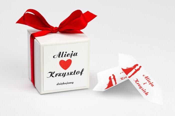 ozdobne-pudeleczko-z-personalizacja-do-zaproszenia-vintage-black-white-czerwone-kokardka--krowki-z-dwiema-krowkami-papier--pudelko-