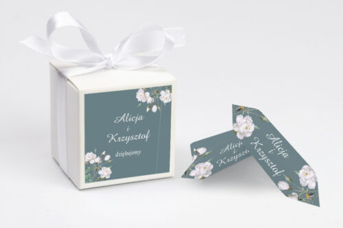 Ozdobne pudełeczko na krówki z personalizacją - Duże Inicjały - Białe Róże