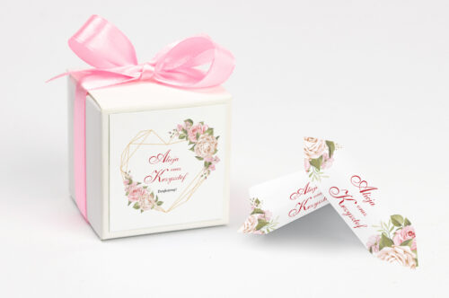 pudełeczko na krówki z personalizacją w pudrowe róże