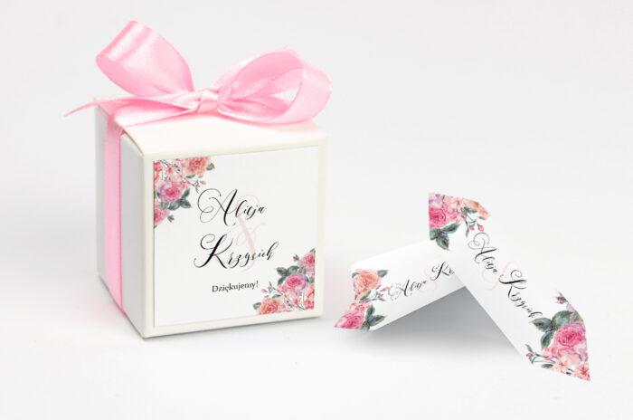 pudełko na krówki we wzorze angielskich róż