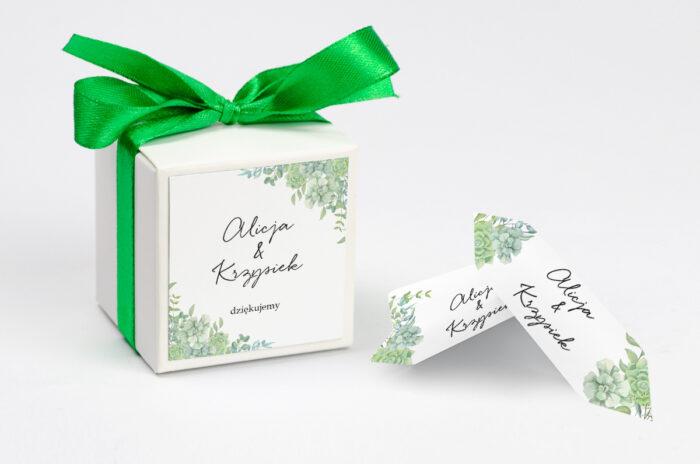 ozdobne-pudeleczko-z-personalizacja-eleganckie-kwiaty-sukulenty-kokardka--krowki-z-dwiema-krowkami-papier--pudelko-