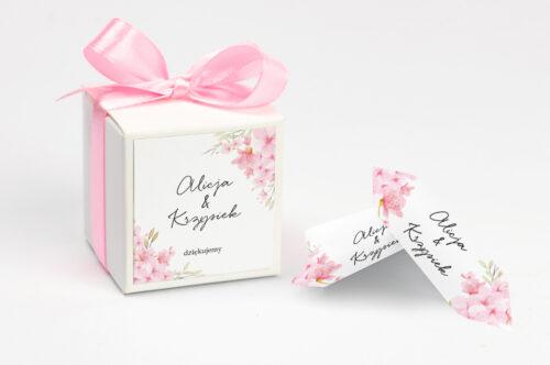 Pudełeczko z personalizacją na krówki do zaproszenia - Eleganckie kwiaty - Kwiaty wiśni