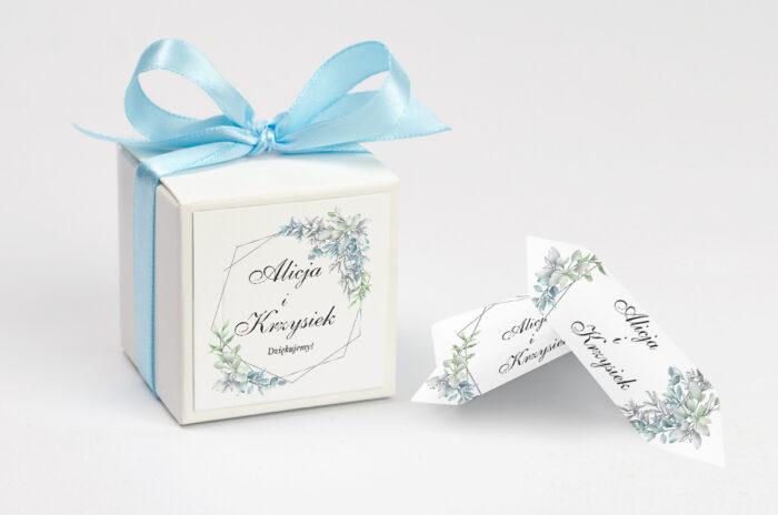 ozdobne-pudeleczko-z-personalizacja-geometryczne-ze-zdjeciem-zimowe-listki-kokardka--krowki-z-dwiema-krowkami-papier--pudelko-