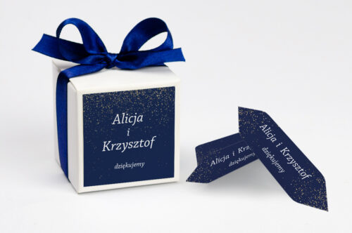 Ozdobne pudełeczko na krówki z personalizacją - Kontrastowe z nawami - Niebo Pełne Gwiazd