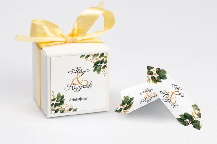 ozdobne-pudeleczko-z-personalizacja-botaniczne-jednokartkowe-jesienna-kompozycja-kokardka--krowki-z-dwiema-krowkami-papier--pudelko-