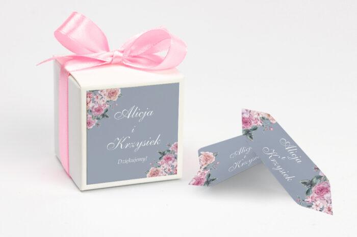 Pudełeczko z personalizacją na krówki do zaproszenia - Kwiatowe Nawy - Różowe różyczki