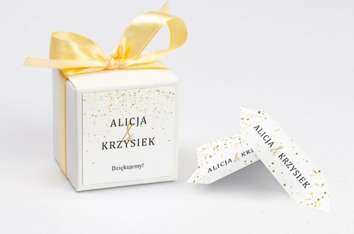 ozdobne pudełeczko na krówki - minimalistyczne złote kropeczki