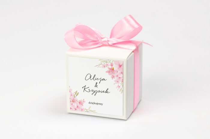 pudeleczko-z-personalizacja-do-zaproszenia-eleganckie-kwiaty-kwiaty-wisni-kokardka--krowki-bez-krowek-papier--pudelko-