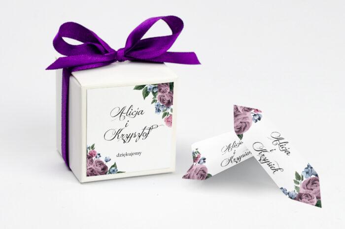 ozdobne-pudeleczko-z-personalizacja-zaproszenia-botaniczne-fioletowe-roze-kokardka--krowki-z-dwiema-krowkami-papier--pudelko-