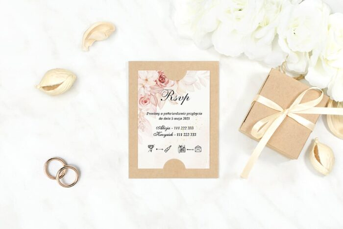 dodatkowa-karteczka-do-zaproszen-boho-kremowa-inspiracja-pudrowe-roze-podkladki-szarawkl-papier-satynowany