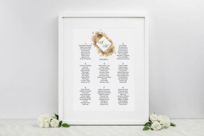 plan-stolow-weselnych-do-zaproszen-geometryczne-kwiaty-zloty-bukiet-dodatki-ramka-papier-satynowany
