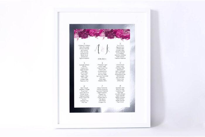plan-stolow-weselnych-kwiatysrebro-fuksjowe-piwonie-dodatki-ramka-papier-matowy-podkladki-
