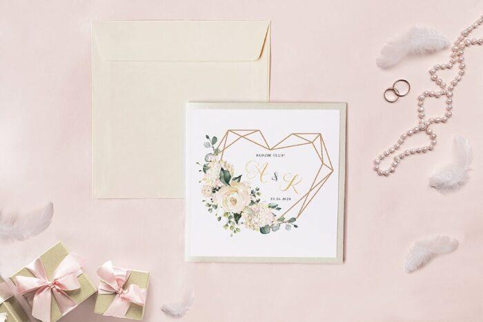 zaproszenie-slubne-kwadratowy-zestaw-geometryczne-serce-z-bialymi-hortensjami-papier-matowy-koperta-k4-szara-folder-z-kieszonkami-kwadratowy-ecru-perlowy