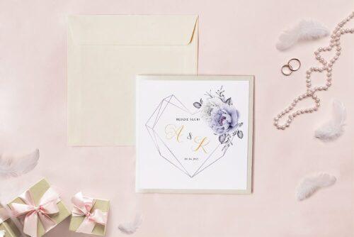 Zaproszenie ślubne - Kwadratowy zestaw - Geometryczne serce z fioletowymi piwoniami
