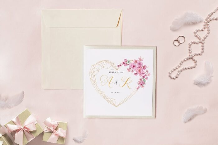 zaproszenie-slubne-kwadratowy-zestaw-geometryczne-serce-z-kwiatami-wisni-papier-matowy-koperta-k4-szara-folder-z-kieszonkami-kwadratowy-ecru-perlowy