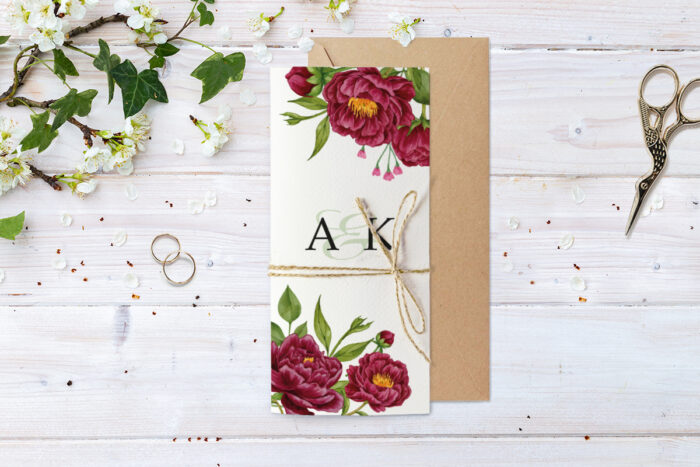 zaproszenie-slubne-ze-sznurkiem-rubinowe-roze-papier--koperta-bez-koperty-dodatki-