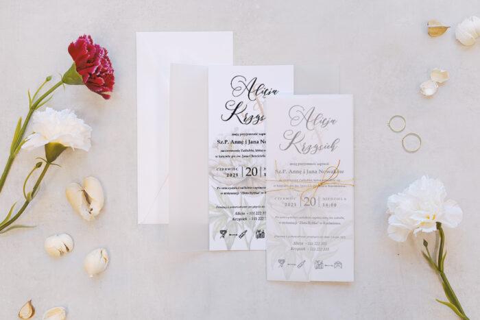 zaproszenie ślubne z kalką we wzorze białej piwonii