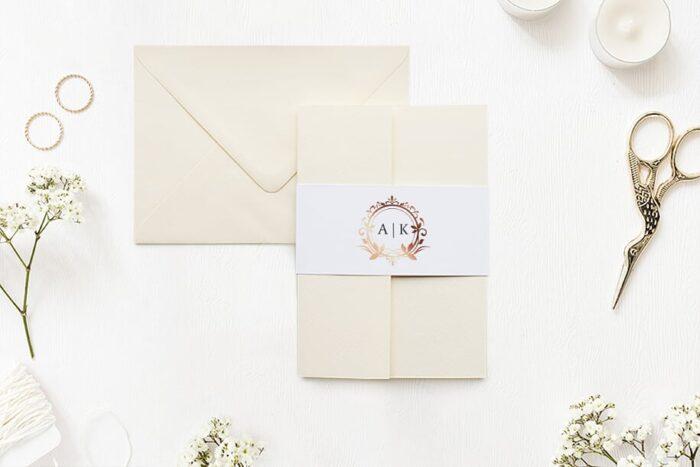 Zaproszenie ślubne w folderze - Ornamentowe z szarfą - Miedziany wianek