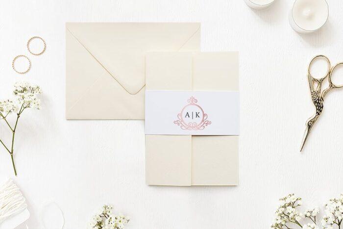 zaproszenie-slubne-w-folderze-ornamentowe-z-szarfa-rozowa-secesja-papier-matowy-folder-rozowy-koperta-b6-szara-bez-wklejki