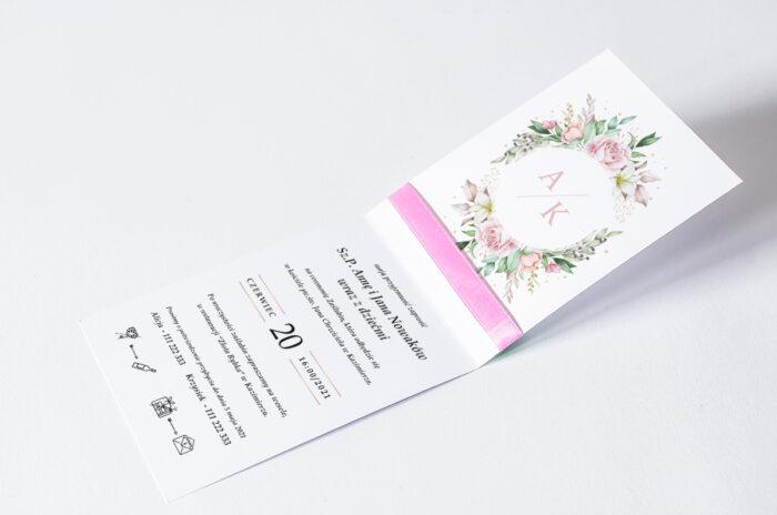 zaproszenie ślubne ze wstążką we wzorze pastelowych kwiatów