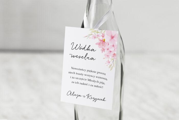 zawieszka-na-alkohol-do-zaproszenia-eleganckie-kwiaty-kwiaty-wisni-dodatki-zawieszka-papier-matowy