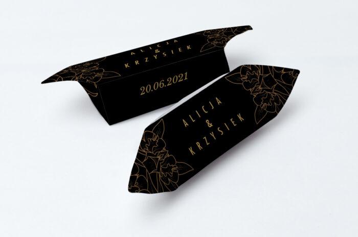 krowki-slubne-1-kg-geometryczne-czarno-biale-minimalistyczne-kwiatuszki-ciemne-papier-papier60g