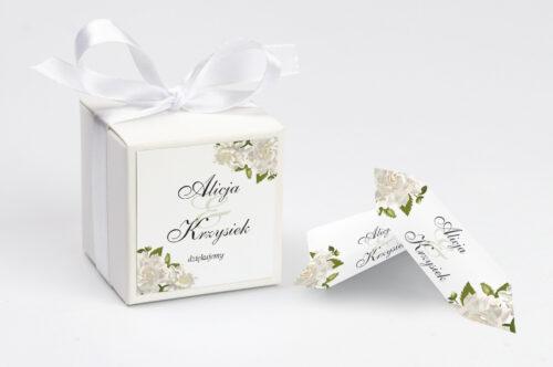 Pudełeczko z personalizacją do zaproszenia ze srebrną podkładką - Białe róże