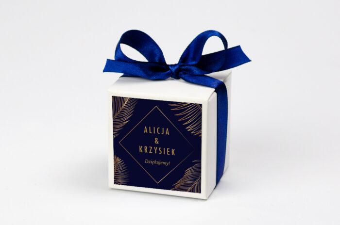 pudeleczko-z-personalizacja-do-zaproszenia-geometryczne-nowoczesne-tropikalne-ciemne-kokardka--krowki-bez-krowek-papier--pudelko-