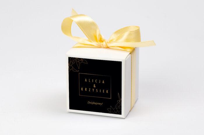 pudeleczko-z-personalizacja-do-zaproszenia-geometryczne-czarno-biale-minimalistyczne-kwiatuszki-ciemne-kokardka--krowki-bez-krowek-papier--pudelko-