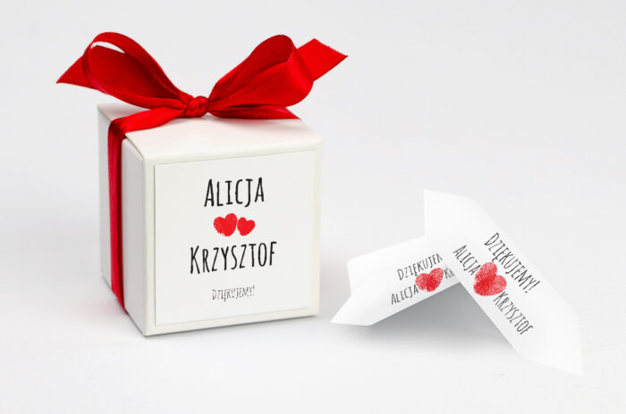 ozdobne-pudeleczko-z-personalizacja-eko-z-motywem-czerwonego-serca-kokardka--krowki-z-dwiema-krowkami-papier--pudelko-
