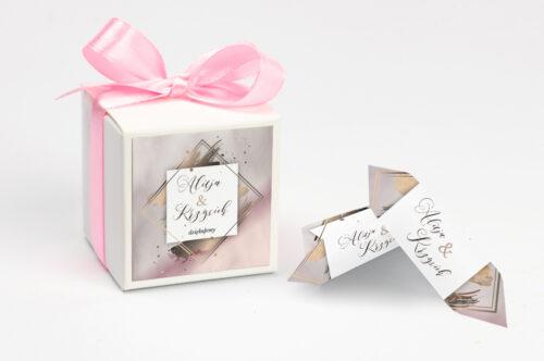 Pudełeczko z personalizacją do zaproszenia Geometryczne Nowoczesne – Róż & Złoto - Jasne