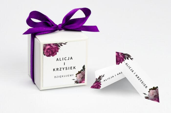 Ozdobne pudełeczko na krówki z personalizacją BOHO ECO - czerwona stulistna róża