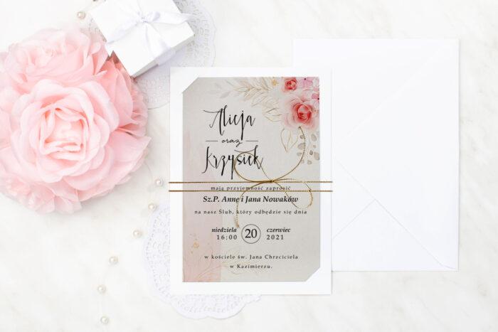 zaproszenie ślubne z metalizowanym sznureczkiemwe wzorze róż ze złotymi gałązkami