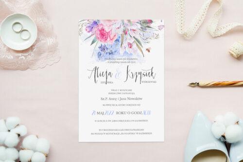 zaproszenie ślubne we wzorze akwarelowych polnych kwiatów wiosennych