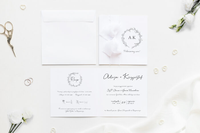 zaproszenie ślubne kwadratowe z delikatnym wianuszkiem