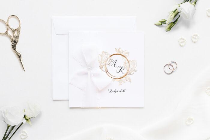 minimalistyczne-zaproszenie-slubne-z-szyfonowa-wstazka-magnolia-papier-matowy-350g-wstazka-szyfonowa-biala-koperta-k4-szara