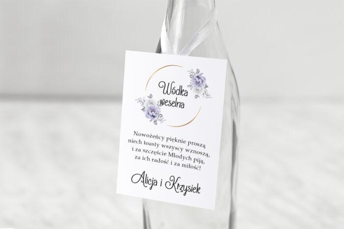 zawieszka-slubna-na-alkohol-siwe-kwiaty-na-kole-papier-matowy-dodatki-zawieszka