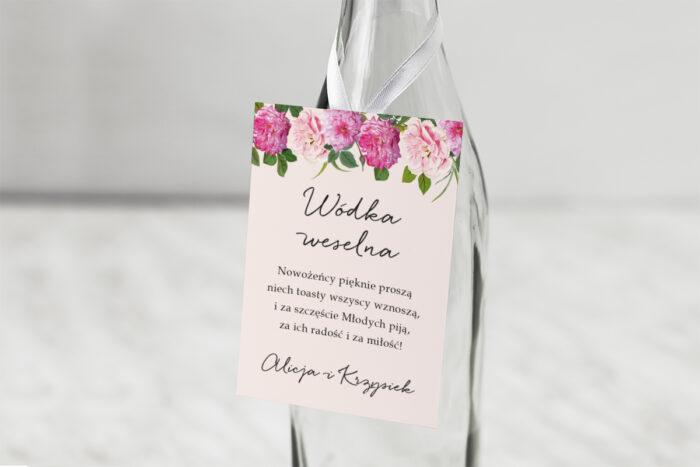 zawieszka-na-alkohol-do-zaproszenia-eleganckie-kwiaty-biale-i-rozowe-piwonie-dodatki-zawieszka-papier-matowy