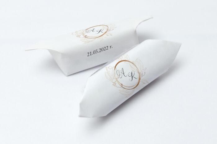 krowki-slubne-1-kg-z-szyfonowa-wstazka-magnolia-papier-papier60g