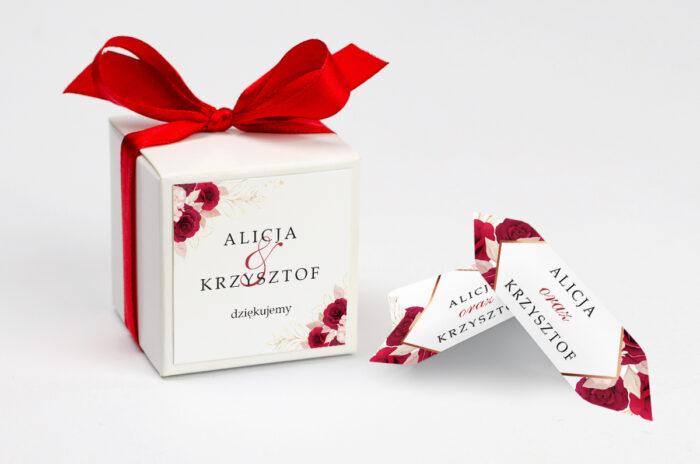ozdobne-pudeleczko-z-personalizacja-geometryczne-kwiaty-pasowe-roze-kokardka--krowki-z-dwiema-krowkami-papier--pudelko-