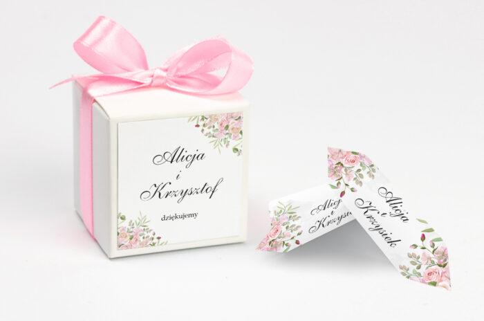 personalizowane pudełeczko na krówki w kwiatowe gałązki