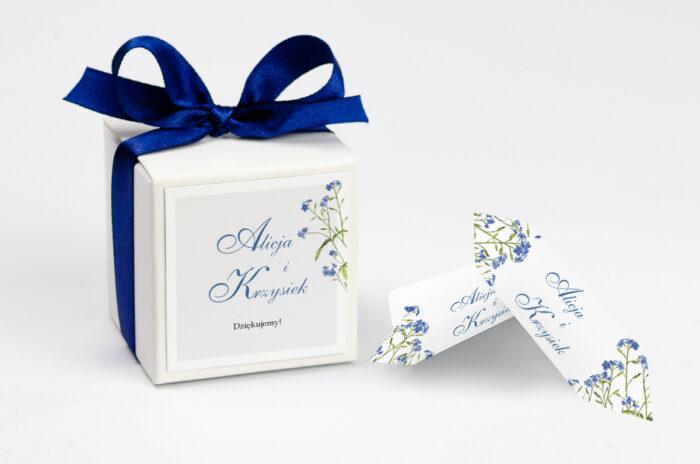 personalizowane pudełeczko na krówki z niezapominajką