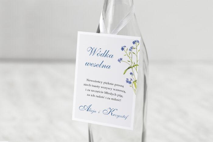 zawieszka-slubna-na-alkohol-minimalistyczne-z-kwiatem-niezapominajka-papier-matowy-dodatki-zawieszka