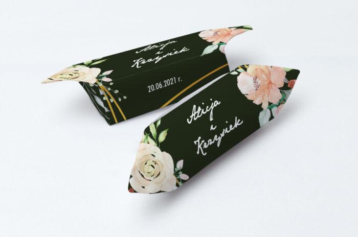krowki-slubne-1-kg-kontrastowe-z-kwiatami-jasna-kompozycja-kwiatowa-papier-papier60g