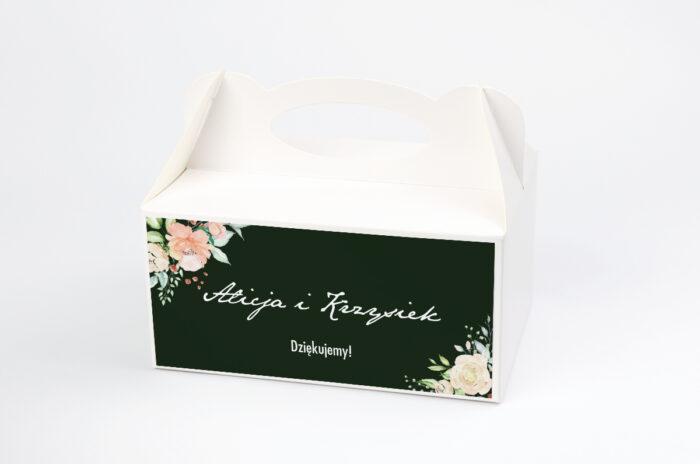 ozdobne-pudelko-na-ciasto-kontrastowe-z-kwiatami-jasna-kompozycja-kwiatowa-papier-satynowany-pudelko-