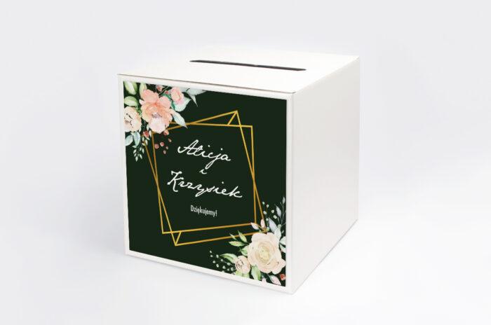 personalizowane-pudelko-na-koperty-kontrastowe-z-kwiatami-jasna-kompozycja-kwiatowa-papier-satynowany-pudelko-