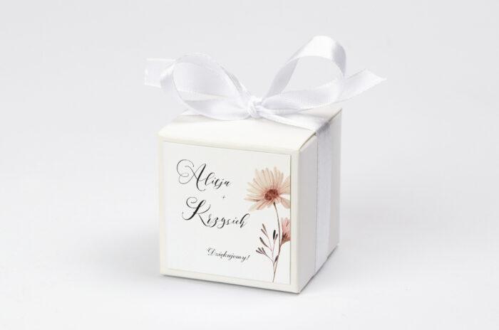 Pudełeczko z personalizacją - Bukiet ze wstążką - Margaretka