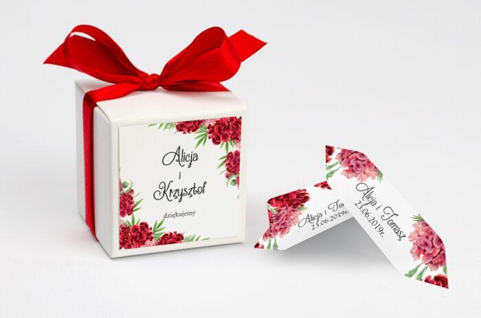 ozdobne-pudeleczko-z-personalizacja-do-zaproszenia-ze-zdjeciem-i-sznurkiem-czerwone-gozdziki-kokardka--krowki-z-dwiema-krowkami-papier--pudelko-